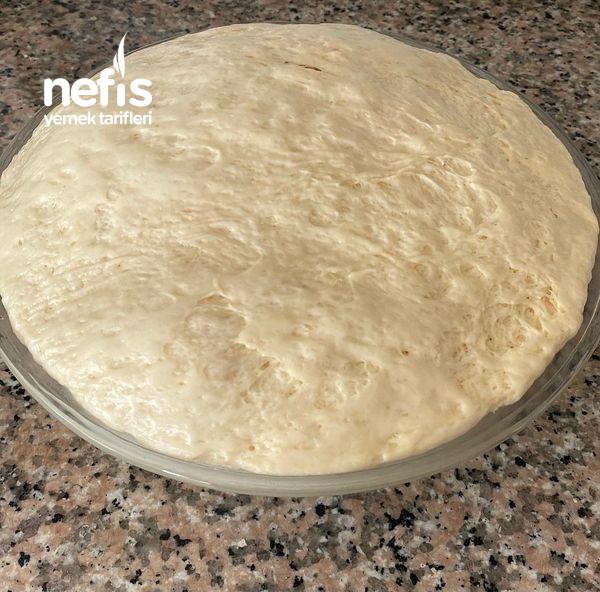 Pamuk Gibi Kaşar Peynirli Sucuklu Poğaça