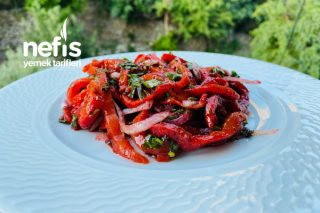 Kırmızı Köz Biber Salatası Tarifi