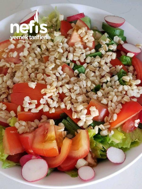 Buğdaylı Fındık Turplu Yaz Salatası