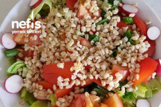 Buğdaylı Fındık Turplu Yaz Salatası Tarifi