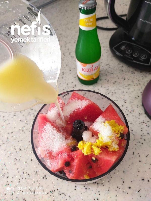 Yaz Günün Yiyeceği Olmasa Olmazı Şimdide İçeceğini Yaptık Karpuz Suyu Tarifi