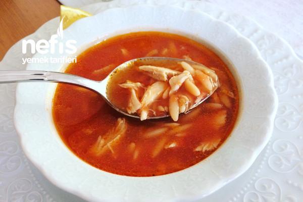 Tavuklu Şehriyeli Domates Çorbası