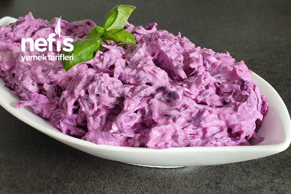 Enfes Mor Lahana Salatası