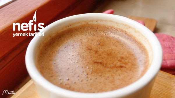 Enfes Bol Köpüklü Sütlü Dibek Kahvesi