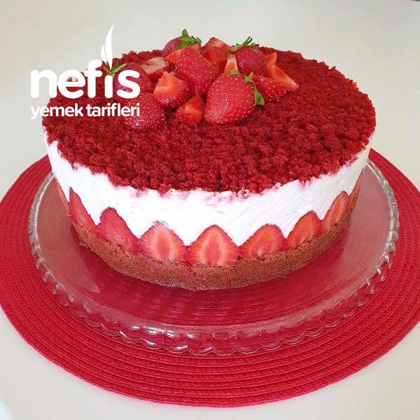 Çilekli Kırmızı Kadife Pasta (Red Velvet Cake)