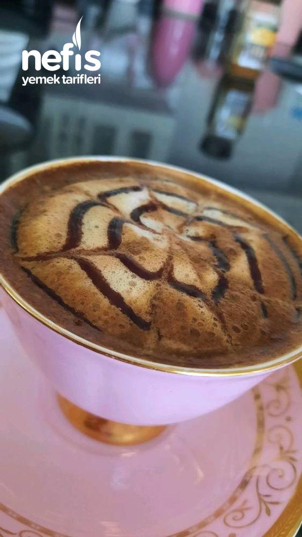 Sütlü Köpüklü Kahve