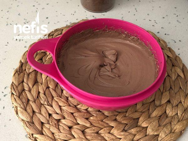 1 Kutu Kremayla Çikolata Parçalı Dondurma Videolu