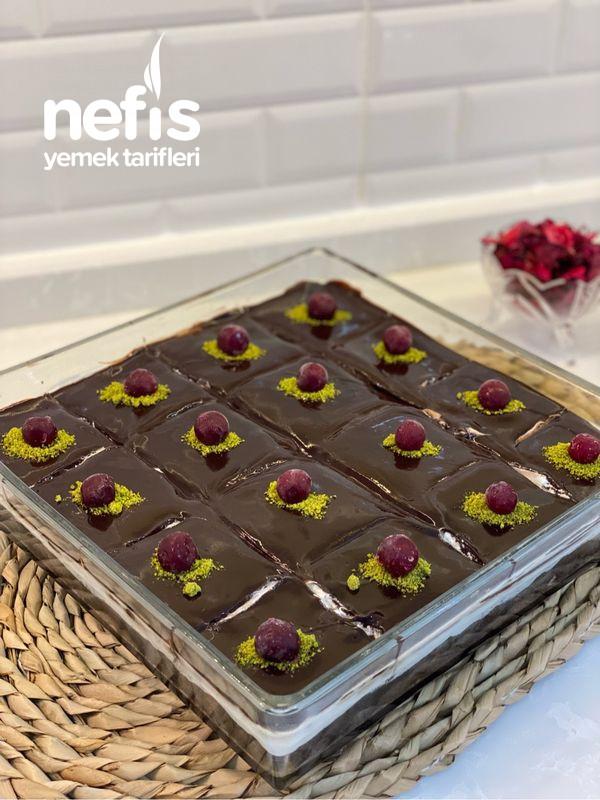 Boll Çikolatalı Ağlayan Kek