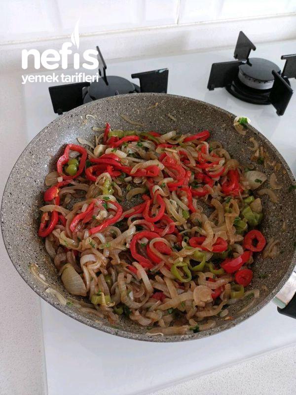 Nar Ekşili Pişmiş Soğan Salatası