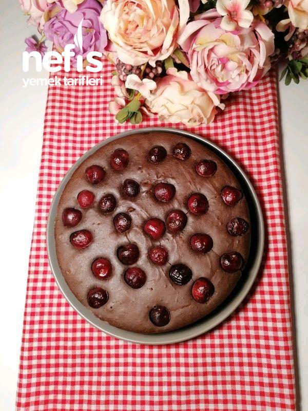 Vişneli Kakaolu Yoğurt Keki