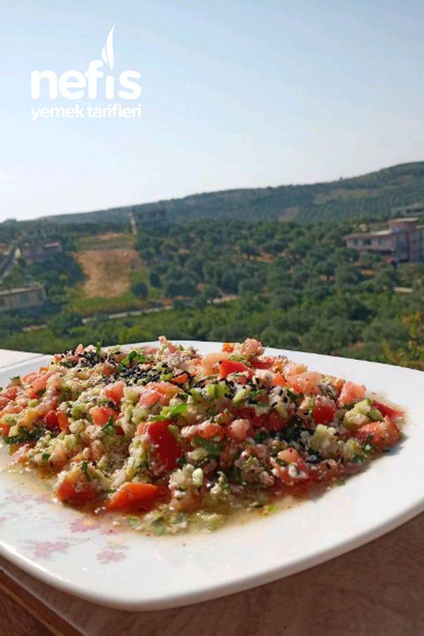 Çökelekli Yaz Salatası