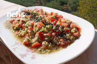 Çökelekli Yaz Salatası Tarifi