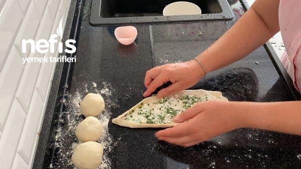 Peynirli Pide (Videolu)