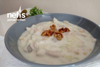 Tavuklu Marul Salatası (Salata Tarifleri Yaz Salatası) Tarifi