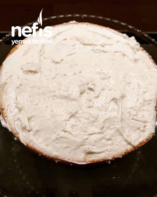 Hem Pratik Hemde Çok Lezzetli Yaş Pasta Tarifi