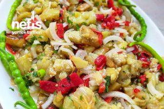Yaz Aylarının Vazgeçilmezi Közlenmiş Patlıcan Salatası Tarifi