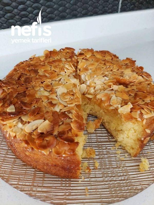 Ballı Bademli Kek