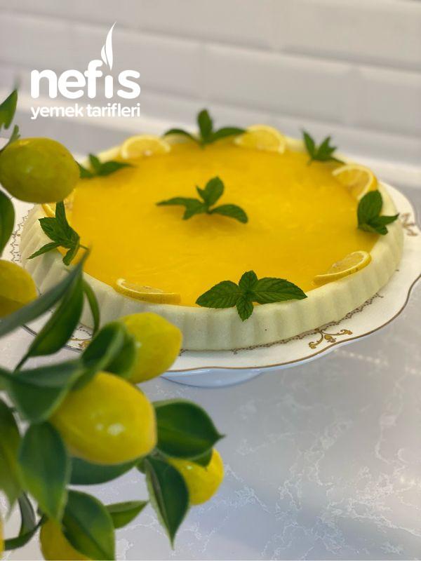 Tart Kalıbında Limonlu İrmik Tatlısı
