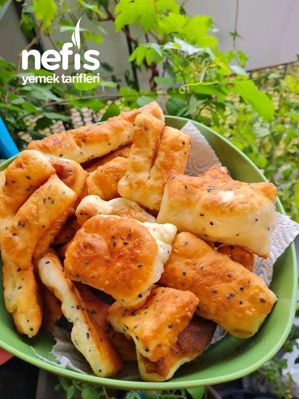 Çörek Otlu Susamlı Pişi
