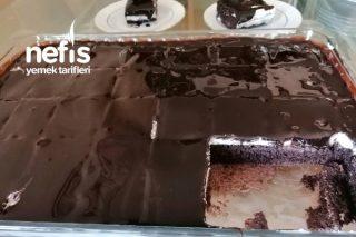 Enfes Çikolata Sosuyla Ağlayan Kek Tarifi