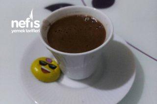 Türk Kahvesi Orta Şekerli Köpüklü Tarifi