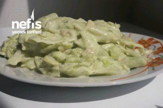 Avokadolu Diyet Salata Tarifi
