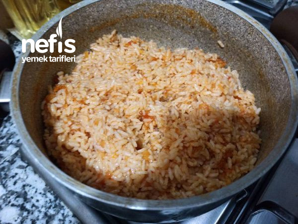 Domatesli, Zerdeçallı Pirinç Pilavı (Tadına Doyamayacaksınız)