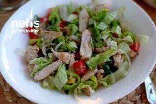 Tavuklu Diyet Salata(1 Öğünlük Tıka Basa Doyuran Enfes Bir Tat) Tarifi
