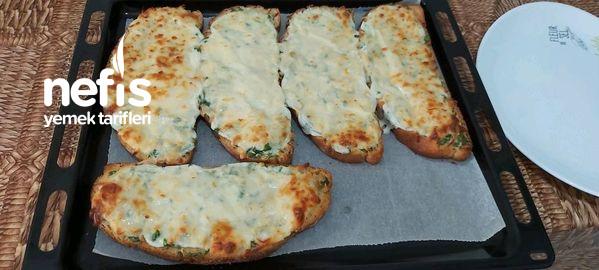 Kahvaltının Yıldızı Fırında Sarımsaklı Ekmek Dilimleri  Muhteşem