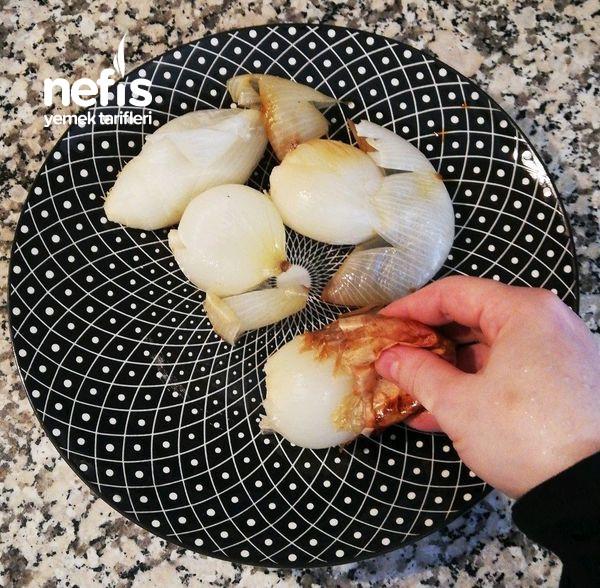 Et Ve Tavuk Yemeklerinin Yanına Çok Yakışacak (Köz Soğan Salatası)