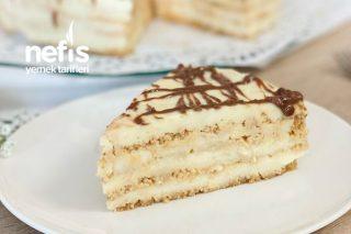 Kendini Yaş Pasta Zanneden Bisküvili Pasta Tarifi