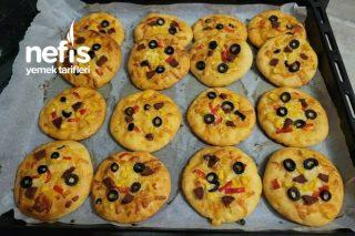 Minik Pizzalarım Tarifi