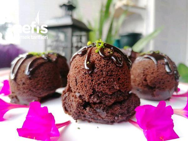 Damak Çatlatan Çikolatalı Fincan Keki