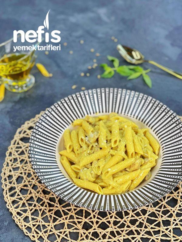Pesto Soslu Mantarlı Makarna