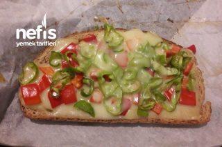 Diyet Yapanlar İçin Enfes Fırında Pizza Tarifi