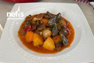 Sebzeli Etli Güveç Yemeği (Lezzetine Doyum Olmaz) Tarifi