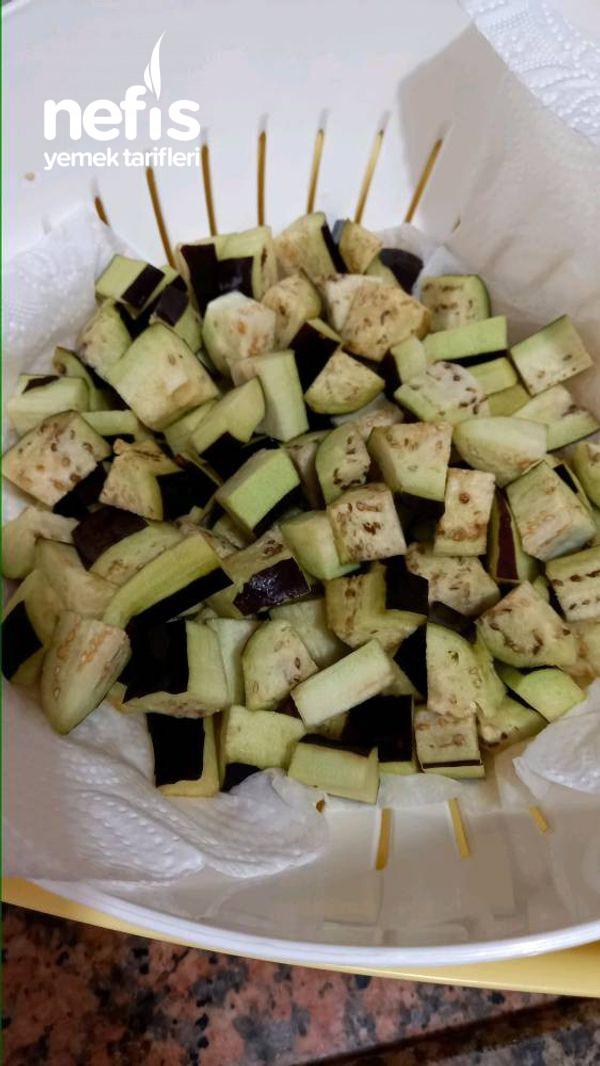 Ekşili Patlıcanlı Köfte