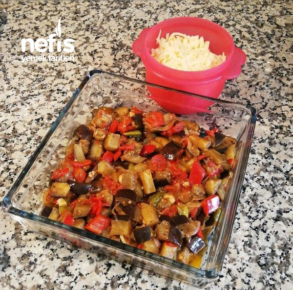 Patlıcanla Yapılabilecek Lezzetli Ve Kolay Yemeklerden Biri (Patlıcan Graten)