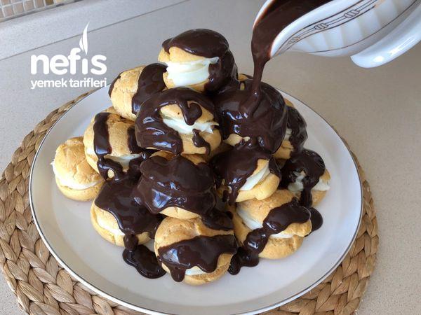 Çikolata Soslu Profiterol (Sönmeyen Mükemmel Kıvam)