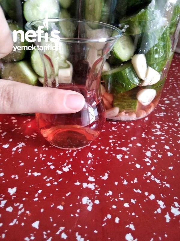 Sıcak Su İle Salatalık Turşusu (Asla Yumuşama Yok)