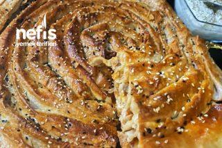 Hazır Yufkayla El Yapımı Tadında Nefis Patlıcanlı Börek Tarifi