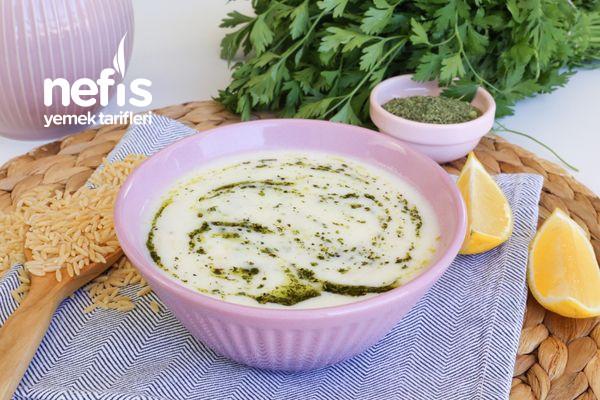 Nefis Yoğurtlu Arpa Şehriye Çorbası