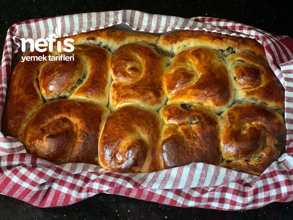 Zeytin Ezmeli Çörek