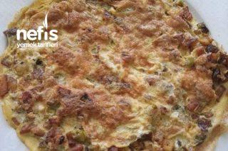 Kahvaltıların Vazgeçilmezi Patatesli Biberli Omlet Tarifi