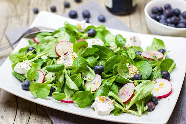 Ülseratif Kolit Diyeti: Nasıl Beslenmeli? Bitkisel Tedavi Tarifi