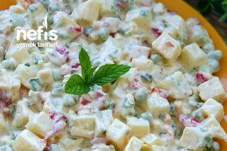 Kaşık Kaşık Yedirten Köz Biberli Ve Soslu Patates Salatası Tarifi