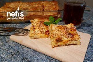 Hazır Yufkadan Mis Gibi Peynirli Börek Tarifi (Videolu)