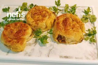 Kıymalı Patlıcanlı Gül Börek Tarifi