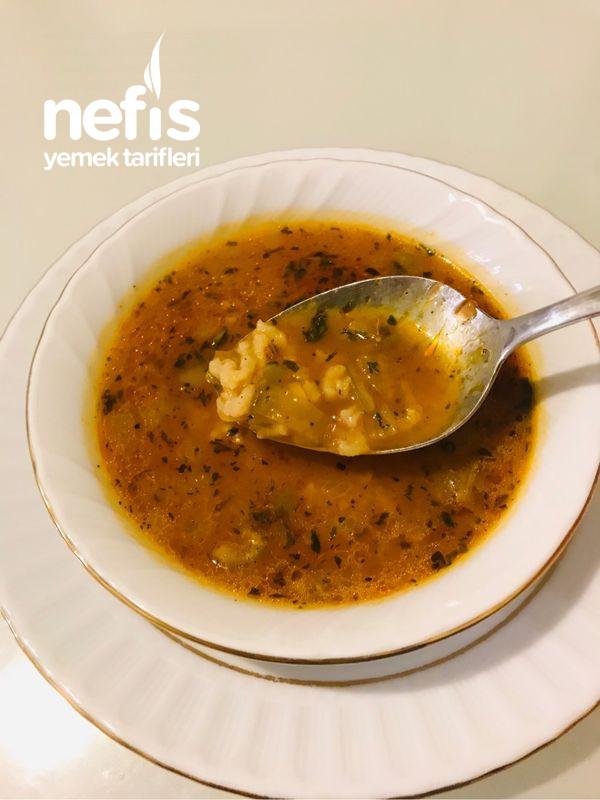 Soğanlı Yeşil Biberli Pirinç Çorbası