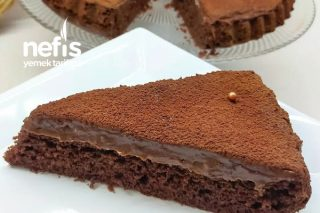 Çikolatalı Kremasıyla Kakaolu Tart Kek Tarifi
